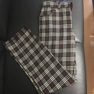 バーバリーブルーレーベル(BURBERRY BLUE LABEL)のバーバリー ズボン 美品(カジュアルパンツ)