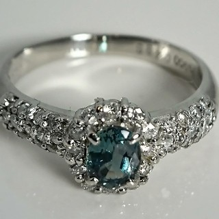 Pt900 天然アレキサンドライト❤️天然ダイヤモンド リング❤️(リング(指輪))