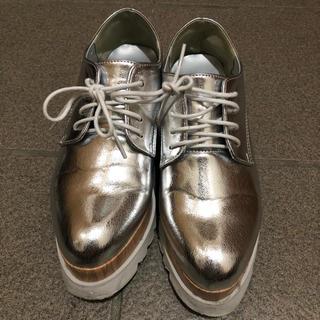 ワンウェイ(one*way)のシルバー 厚底 (ローファー/革靴)