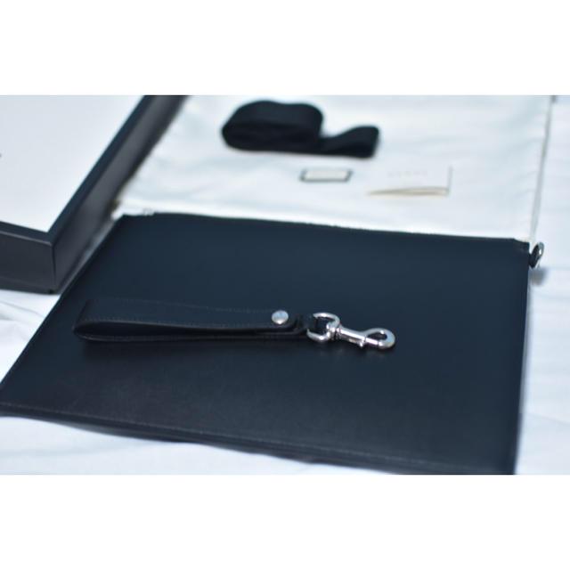 Gucci(グッチ)のGUCCIブレード刺繍 着脱可ストラップ レザークラッチバッグ メンズのバッグ(セカンドバッグ/クラッチバッグ)の商品写真