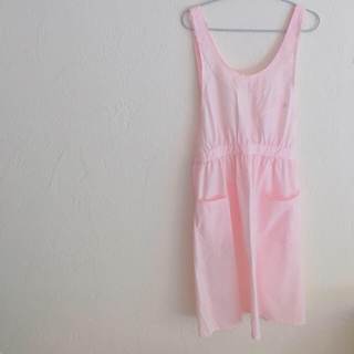 Lochie - レトロ古着ピンク刺繍ゆめかわいいフリフリエプロン