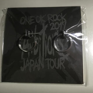 ワンオクロック(ONE OK ROCK)のONE OK ROCK 2017 ''Ambitlons'' ピアス(ピアス)