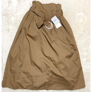 ティティベイト(titivate)のベルト付きフレアスカート キャメル(ひざ丈スカート)