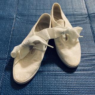 アディダス(adidas)のadidas アディダス リレースロー 花 フラワー ホワイト 白 スニーカー(スニーカー)