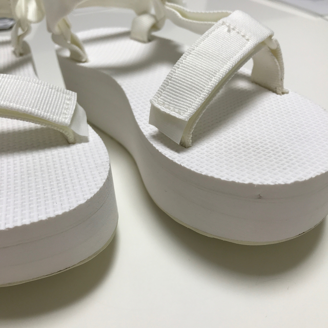 Teva(テバ)のteva レディースの靴/シューズ(サンダル)の商品写真