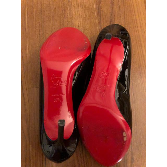Christian Louboutin(クリスチャンルブタン)の美品 クリスチャンルブタン エナメルパンプス 黒 37 1/2 24  レディースの靴/シューズ(ハイヒール/パンプス)の商品写真