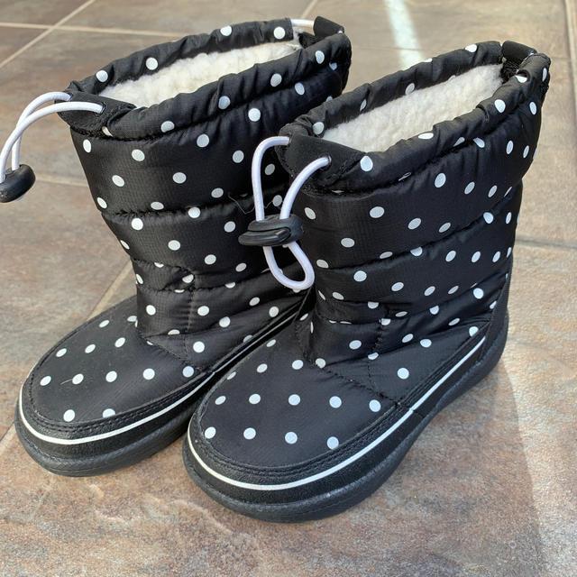 VANS(ヴァンズ)のスノーブーツ 17センチ キッズ/ベビー/マタニティのキッズ靴/シューズ(15cm~)(ブーツ)の商品写真