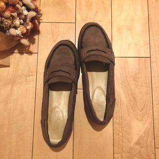 ヌォーボ(Nuovo)の美品 NUOVOローファー(ローファー/革靴)