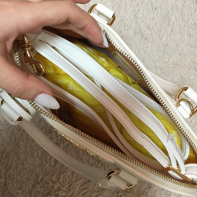 Samantha Vega(サマンサベガ)のサマンサベガ ホワイト  レディースのバッグ(ハンドバッグ)の商品写真