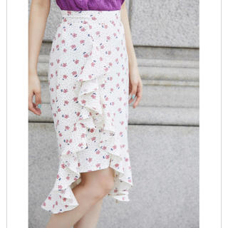 トッコ(tocco)の新品♡tocco 完売 スカート フリル 花柄 マーメイドライン 美脚(ひざ丈スカート)