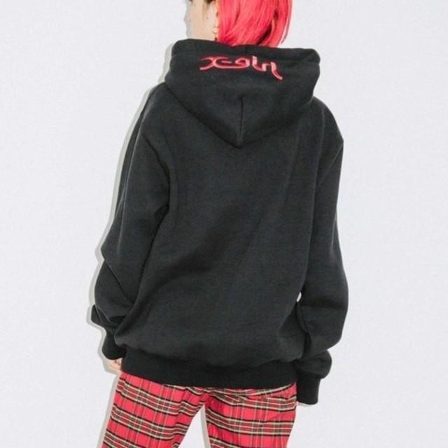 X-girl(エックスガール)の新品未使用 エックスガール×チャンピオン コラボパーカー 黒 2 レディースのトップス(パーカー)の商品写真