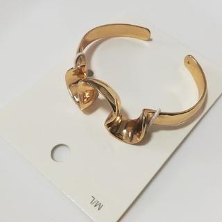 エイチアンドエム(H&M)のチョコ様専用 新品未使用 安室奈美恵 H&M コラボ バングルとリング(ミュージシャン)