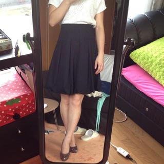 膝上バルーンスカート。