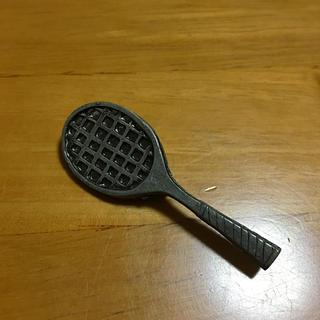ニコアンド(niko and...)のテニスラケットのブローチ(ブローチ/コサージュ)