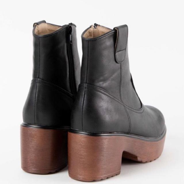 WEGO(ウィゴー)のWEGOウッドソールブーツ黒M size レディースの靴/シューズ(ブーツ)の商品写真