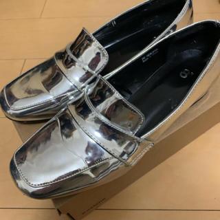 ディーホリック(dholic)の売り切り価格🤲メタリックシューズ(ローファー/革靴)