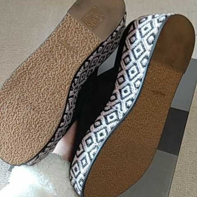 SCOT CLUB(スコットクラブ)のSCOTCLUB系列 nouer 山羊革厚底サンダル レディースの靴/シューズ(サンダル)の商品写真