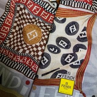 FENDI - 新品  FENDI⑨  ハンカチ  アイコン マルチ  メンズ  フェンディ