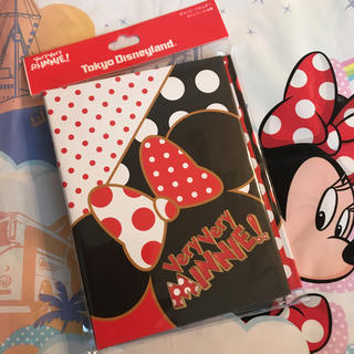 Disney - パークお品切れ中 新作♡ディズニー ベリーベリーミニー ポストカードホルダー