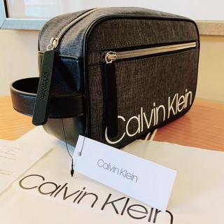 Calvin Klein - ★Calvin Klein 収納たっぷりのメンズ軽量型ビッグロゴセカンドバッグ