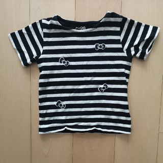 アースミュージックアンドエコロジー(earth music & ecology)の[earthmusic]×[ハローキティ]黒白ボーダーTシャツ サイズ110(Tシャツ/カットソー)