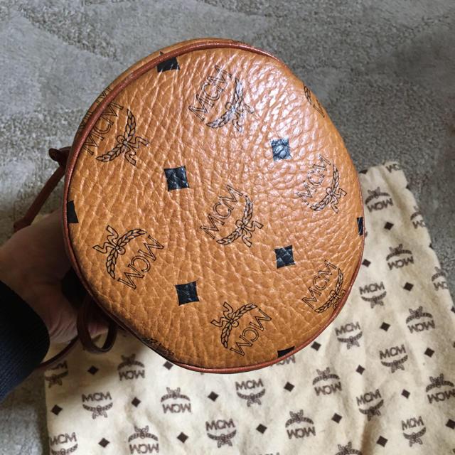 MCM(エムシーエム)のヴィンテージ MCM ミニ 巾着 ショルダー レディースのバッグ(ショルダーバッグ)の商品写真