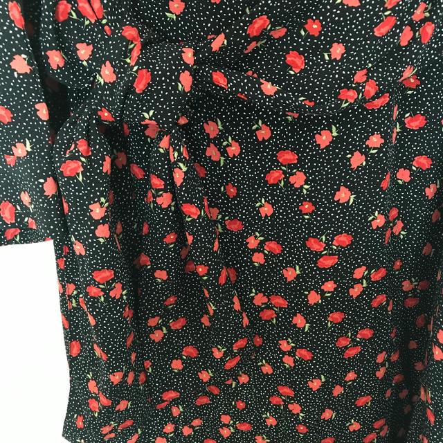 ZARA(ザラ)のZARA 今期 花柄ワンピ M レディースのワンピース(ロングワンピース/マキシワンピース)の商品写真