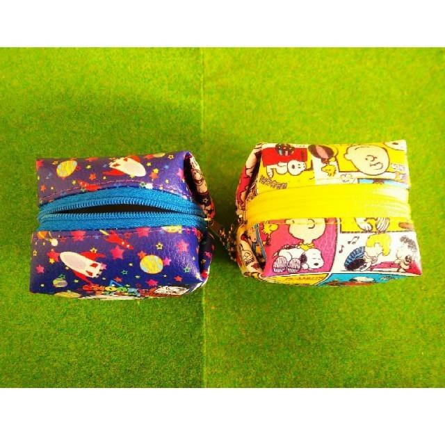 SNOOPY(スヌーピー)の【スヌーピー】 小銭入れポーチ 2種類セット エンタメ/ホビーのおもちゃ/ぬいぐるみ(キャラクターグッズ)の商品写真