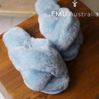 エミュー(EMU)の新品 emu  ファーサンダル  水色 ♡(サンダル)