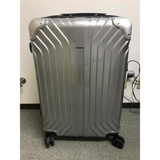 キャリーケース使用品 Mサイズ シルバー(旅行用品)