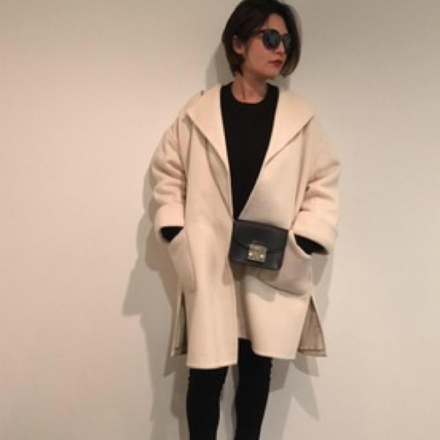 Mila Owen(ミラオーウェン)の【人気】ウールブレンドダブルカフスコート レディースのジャケット/アウター(ガウンコート)の商品写真