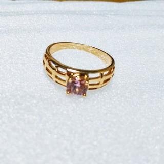 【詳細は不明!】ピンク石のゴールドリング(リング(指輪))