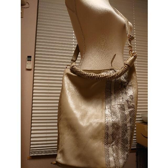 PAPILLONNER(パピヨネ)の【美品】パピヨネ  パイソン 3way バッグ レディースのバッグ(ショルダーバッグ)の商品写真