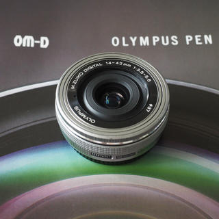 OLYMPUS - 美品 オリンパス M.ZUIKO 14-42mmf3.5-5.6 EZ シルバー