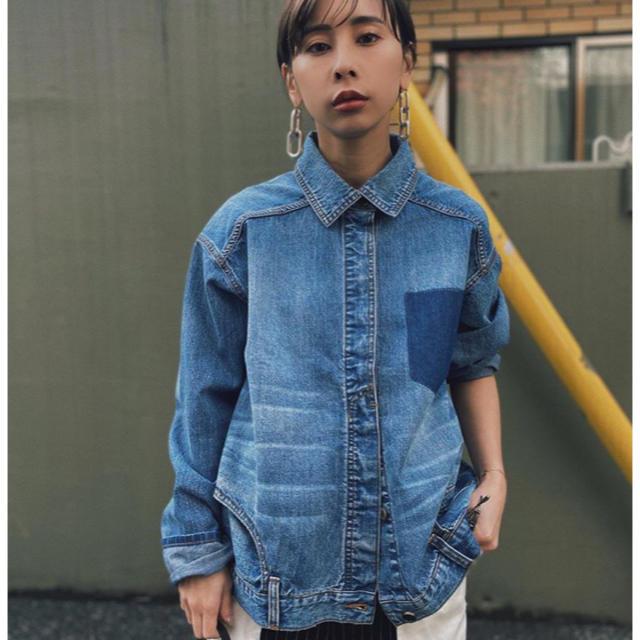 Ameri VINTAGE(アメリヴィンテージ)のUPSIDE DOWN DENIM SHIRT レディースのトップス(シャツ/ブラウス(長袖/七分))の商品写真