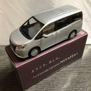 トヨタ - トヨタ ノア カラーサンプル(中古)