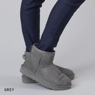 アグ(UGG)の新品 未使用 UGG  クラシック ミニ ショートブーツ(ブーツ)