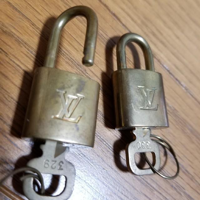 LOUIS VUITTON(ルイヴィトン)のルイヴィトン パドロック 南京錠 レディースのバッグ(その他)の商品写真