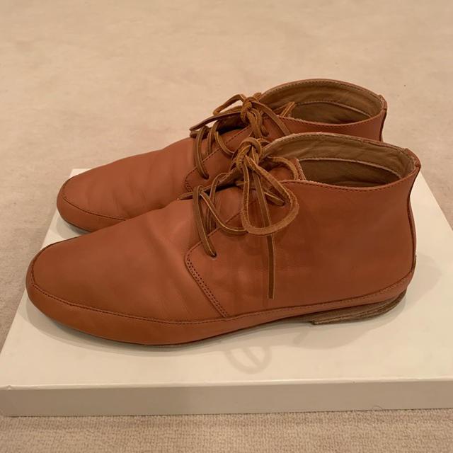 Maison Martin Margiela(マルタンマルジェラ)のメゾンマルジェラ タンカラー イタリア製チャッカブーツ メンズの靴/シューズ(ブーツ)の商品写真