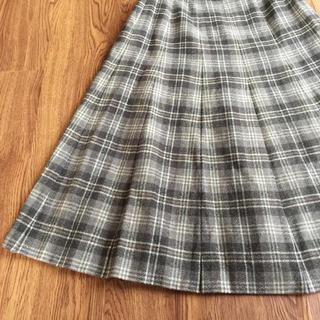 ロキエ(Lochie)のヴィンテージ 昭和 レトロ グレー チェック ウール フレア スカート 古着(ひざ丈スカート)