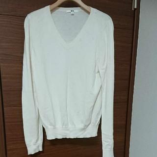 UNIQLO - 【1/24まで】 01 オフホワイト 白 コットンカシミヤVネックセーター