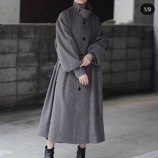 COMOLI - stein over sleeve investigated coat