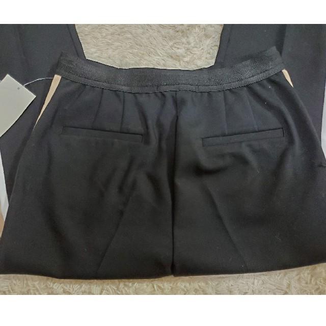 ZARA(ザラ)のZARA パンツ 新品 ライン レディースのパンツ(クロップドパンツ)の商品写真