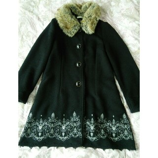 axes femme - 裾刺繍Aラインコート