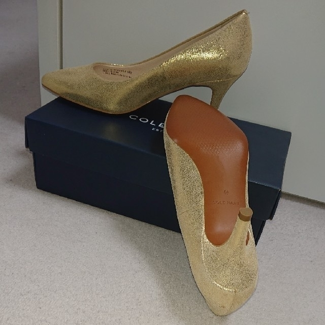 Cole Haan(コールハーン)の新品★未使用★COLE HAAN 本革パンプス/23.5㎝ レディースの靴/シューズ(ハイヒール/パンプス)の商品写真