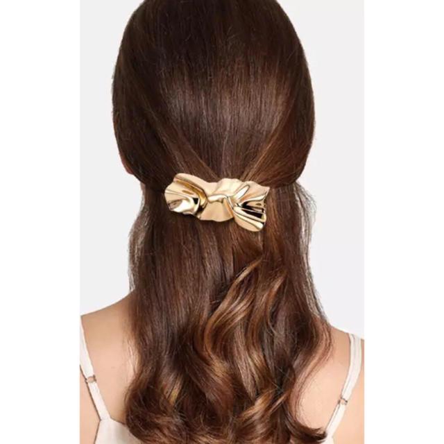 TODAYFUL(トゥデイフル)の変形 ねじりバレッタ  ゴールド レディースのヘアアクセサリー(バレッタ/ヘアクリップ)の商品写真