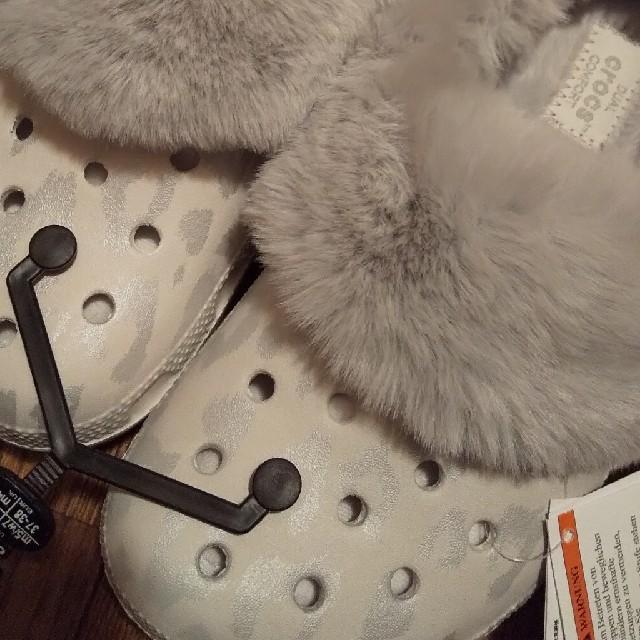 crocs(クロックス)のたい陽の香り様専用   クラシック マンモス ラックス メタリック クロッグ レディースの靴/シューズ(サンダル)の商品写真