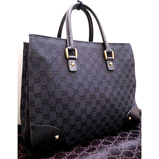 Gucci - 美品16万◆GUCCI グッチ GG柄 A4対応 ビジネス可 トート バッグ 黒