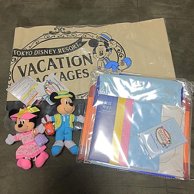 Disney(ディズニー)のDisney バケーションパッケージ グッズ7点セット エンタメ/ホビーのおもちゃ/ぬいぐるみ(キャラクターグッズ)の商品写真
