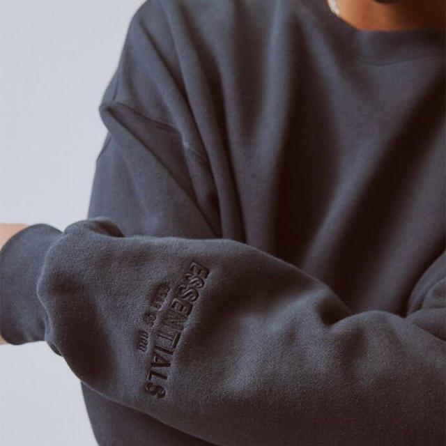 FEAR OF GOD(フィアオブゴッド)のFOG essentials クルーネック   Lサイズ メンズのトップス(スウェット)の商品写真